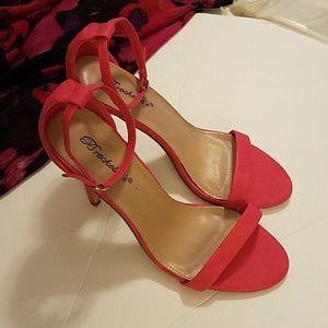 """Breckelle's 4"""" pink heels"""